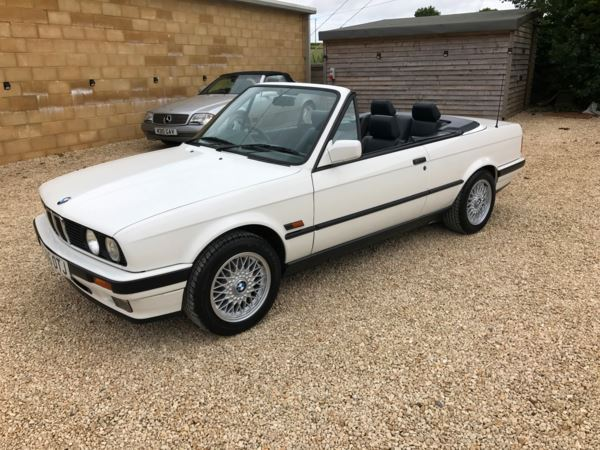 used bmw 325i cabriolet doors convertible for sale in box wiltshire the manor garage. Black Bedroom Furniture Sets. Home Design Ideas